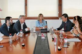 Vila y Cespa acuerdan reforzar el servicio de limpieza para lavar la imagen de la ciudad
