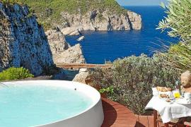 Forbes encuentra el paraíso en una Eivissa visitada por millonarios de medio mundo
