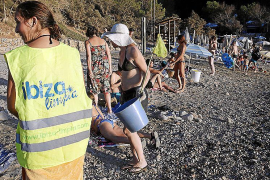 Unidos para que las playas luzcan sin basura