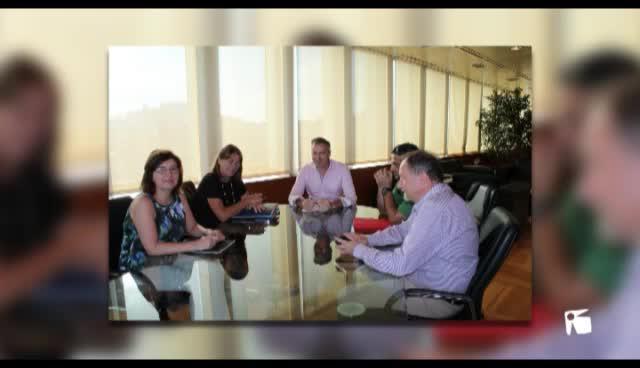 VÍDEO: Consell y Ayuntamiento de Vila celebran una primera reunión para intentar desbloquear el Cetis