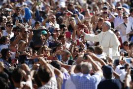 El Papa: «Hay que tener valor para casarse hoy en día»