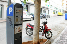 Sant Antoni aboga por rebajar la tarifa de la zona azul en los meses de invierno
