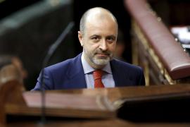 El popular David Serra, imputado en la trama Gürtel, deja su escaño en las Corts Valencianes