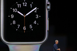 Tim Cook muestra el esperado Apple Watch