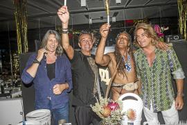 El 'último hippie' celebra su aniversario