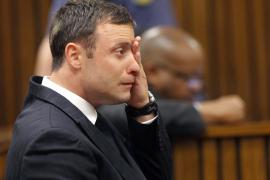 La jueza absuelve a Pistorius de  todos los cargos de asesinato