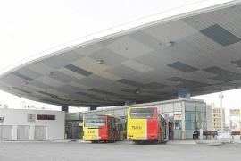 El transporte discrecional pide a Sant Antoni que deje de «favorecer a los taxis ilegales»