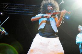 Malikian cautiva en su concierto en Vila