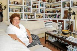 Mª Luisa Cava de Llano: «No admito que en un partido unos pongamos la cara y otros la mano»