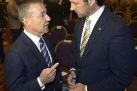 Rivero llama a Baleares a hacer frente común con Canarias contra el petróleo