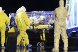El religioso español enfermo de ébola ya está hospitalizado en Madrid