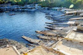 Costas abre la puerta a la legalización de más de 1.000 casetas varadero de Eivissa