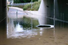Cerrado al tráfico el túnel de Puig d'en Valls por las fuertes lluvias