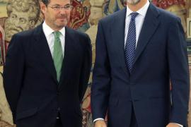El nuevo ministro de Justicia  jura su cargo ante el Rey