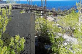 Denuncian el abandono de la torre de defensa de Portinatx