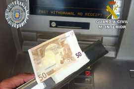 Dos detenidos por manipular cajeros y robar unos 3.000 euros en Sant Antoni