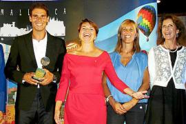 Rafa Nadal recibe la Esfera de Honor de Mallorca Convention Bureau