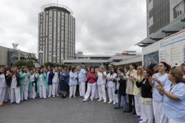 Trabajadores de La Paz piden la dimisión de Ana Mato