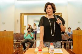 Fina Riera toma posesión como nueva concejala del Ayuntamiento de Vila