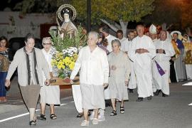 Es Cubells rinde homenaje a Santa Teresa