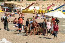 Fallece un suizo de 76 años cuando nadaba en las aguas de la playa de Santa Eulària