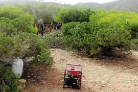La Guardia Civil aborta una fiesta ilegal en un bosque de Sant Joan
