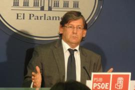 El PSIB censura que Bauzá «ha pasado de la mayoría absoluta  al absolutismo»
