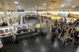 Gatwick empezará a aplicar controles de ébola a pasajeros