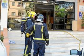 Desalojados 40 huéspedes de un hotel de Port des Torrent a causa de un incendio en el sótano