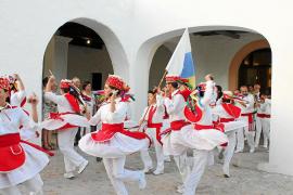 Tres décadas de festival de folclore en Sant Rafel