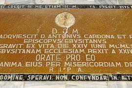 Cinco siglos de enterramientos bajo el suelo de la Catedral