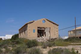 Declarados BIC Es Campament, el yacimiento de Es Cap y la Murada de sa Cala