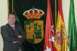 Pillan 'in fraganti' al alcalde de Serranillos llevándose documentación del Ayuntamiento