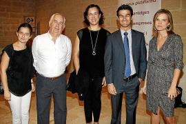 Josep Oliver recibe la Medalla de la Cámara de Comercio
