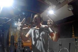 El nuevo proyecto de Marc Riera, MRC, estrenará disco en diciembre