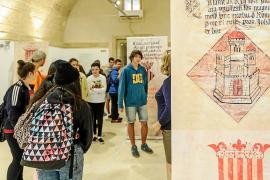Lección interactiva de historia a través del Arxiu d'Imatge i So de Eivissa
