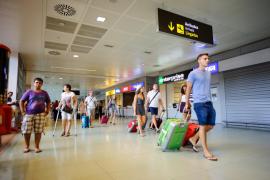 El Aeropuerto de Eivissa cierra parte de sus instalaciones para adecuarlas al tráfico real de pasajeros