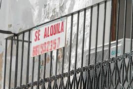 El «calvario» de encontrar vivienda para todo el año en Formentera