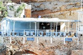 El Consell reitera a Costas que deniegue la concesión del quiosco de Tagomago