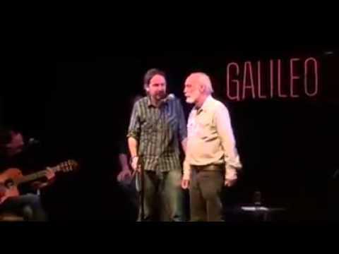 Pablo Iglesias canta 'Cuervo ingenuo' junto a Javier Krahe