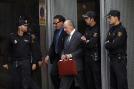 El Santander se deshace de Rodrigo Rato