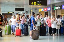 Las Pitiüses reciben 20.500 turistas escandinavos más que el año pasado