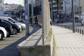 Se reanuda la construcción de plazas de aparcamiento en la avenida de Santa Eulària