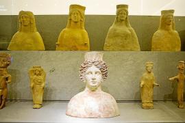 La mujer en la época fenicia y púnica centra el debate en el museo de Puig des Molins