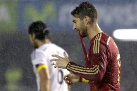 Toni Kroos fulmina a España