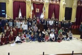 Los niños debaten en el Parlament
