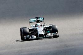 Hamilton y Rosberg protagonizan el último asalto por el título en Abu Dhabi