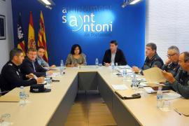 Sant Antoni pide refuerzos de policías extranjeros para la próxima temporada