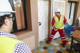 Arranca la demolición de la casa ilegal de  Puig d'en Serra diez años después