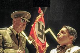 Franco y un oficial nazi, unidos por la imaginación de Héctor Escandell